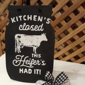 Sign: Kitchen's Closed